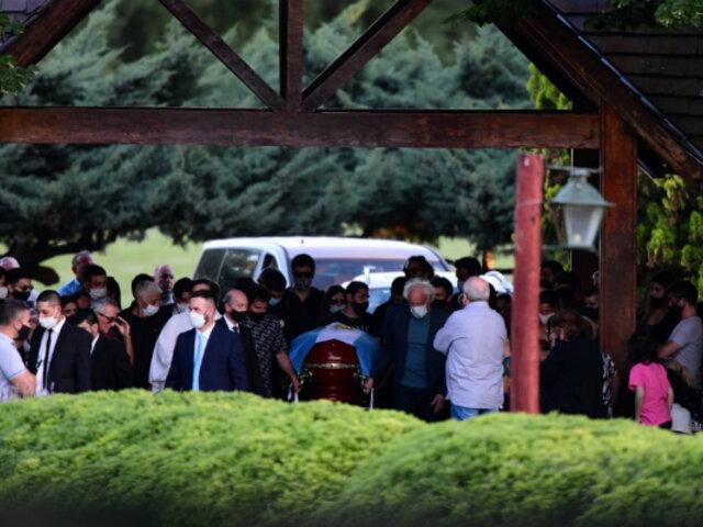 Diego Maradona: el '10' fue enterrado en cementerio de Bella Vista tras multitudinario adiós