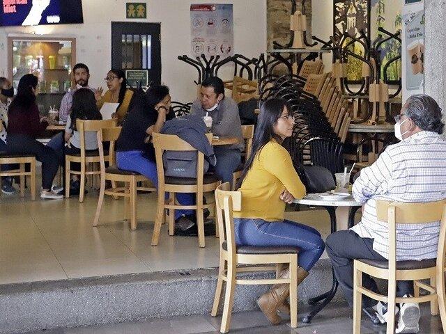 Gobierno aumentó aforo en restaurantes, tiendas y más al 60%