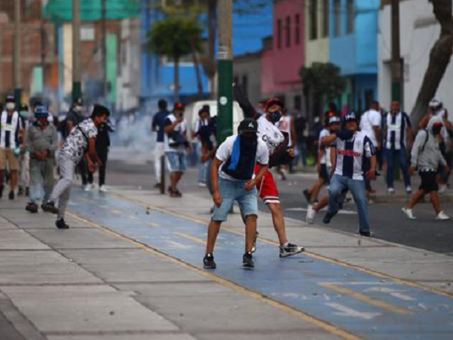Disturbios luego de que Alianza Lima bajara a Segunda División