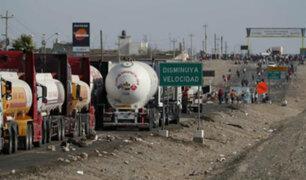 Huelga en Ica: trabajadores agrarios mantienen bloqueado carril de Panamericana Sur