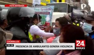 Chorrillos: ambulantes que trabajaban en las calles fueron trasladados a complejo deportivo