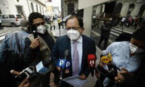 Abogado de Vizcarra: no es normal que un fiscal diga que va a acusar directamente sin investigar