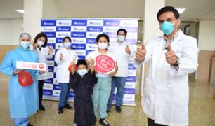 EsSalud: Niño de 6 años sobrevive gracias al trasplante de riñón donado por su madre