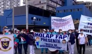 Profesionales de la Salud realizaron plantón frente al Minsa y MINDEF para exigir mejoras