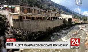 Áncash: intensas lluvias y crecida del río afectan coliseo cerrado de Chavín
