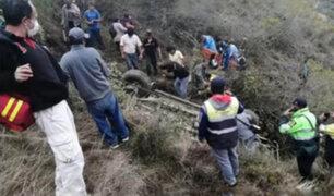 La Libertad: caída de camioneta municipal a abismo deja un muerto y cuatro heridos