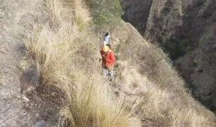 Cusco: rescatan a tres turistas que quedaron atrapados en una pendiente rocosa