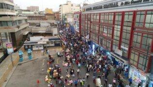 """Molinelli: """"Mesa Redonda, Mercado Central, Gamarra y malls están desbordados"""""""