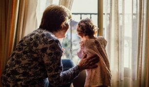Polémico: abuela exige a su hija que le pague por cuidar a su nieto