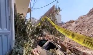 SJL: hombre pide que responsables asuman los daños ocasionados a su auto tras caída de pared
