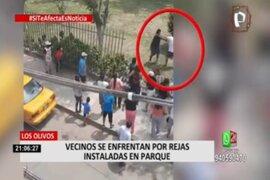 Los Olivos: a golpes se enfrentaron vecinos por colocación de reja en parque
