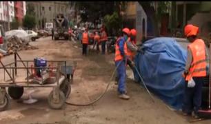 Breña: vecinos siguen sin agua tras una mala reparación realizada por la empresa Cálidda