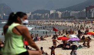 Brasileños acapararon playas de Río de Janeiro pese a pandemia