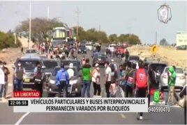 La Libertad: Vehículos particulares y buses interprovinciales permanecen varados por bloqueos