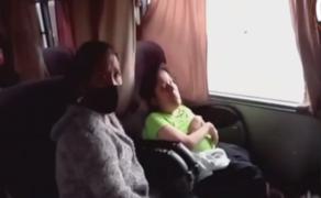 Paro agrario: madre llora y pide que dejen pasar a su hija con discapacidad
