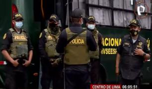 Contingente policial llega a Mesa Redonda para controlar aforo