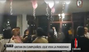 """Invitados a fiesta clandestina se burlan del COVID-19: """"¡Qué viva la pandemia!"""""""