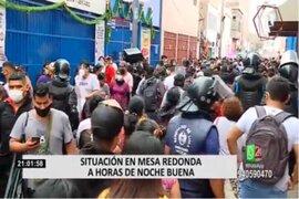 Mesa Redonda: padres con hijos pequeños acudieron para hacer compras de último minuto
