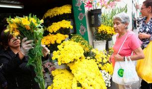 Gran cantidad de personas buscan flores amarillas para recibir el 2021