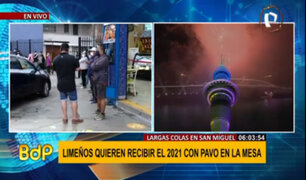 San Miguel: ciudadanos realizan largas colas para comprar pavo