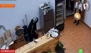 """Delincuentes armados asaltan restaurante """"Brisa Marina"""" de Chorrillos"""