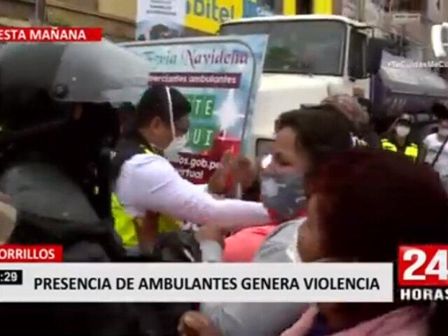 Chorrillos: Fiscalizadores se enfrentan a ambulantes tras invadir calles