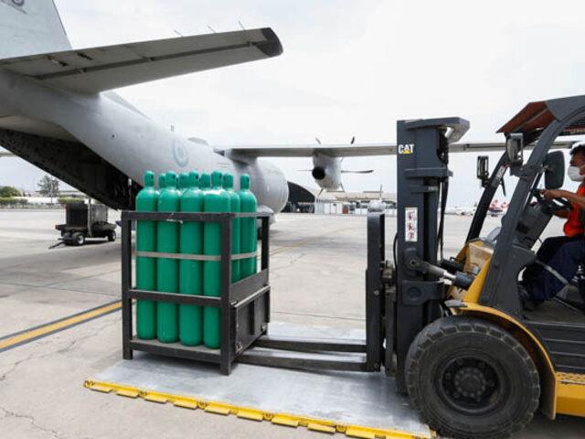 Minsa envió a Ica vía aérea 98 balones de oxígeno destinados a  pacientes Covid-19
