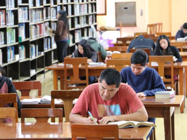 Con estrictas medidas de bioseguridad  Biblioteca Pública de Lima reinicia atención presencial