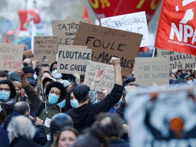 """Violentos enfrentamientos durante marcha """"por los derechos sociales y la libertad"""" en Francia"""