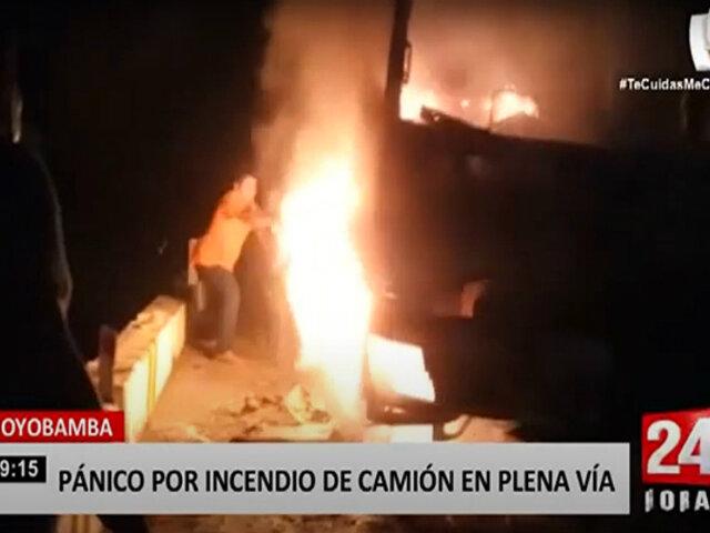 Tarapoto: camión se incendia y termina convertido en chatarra