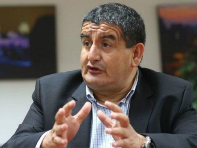 Congreso: Humberto Acuña presentó su renuncia a presidencia de Comisión de Presupuesto