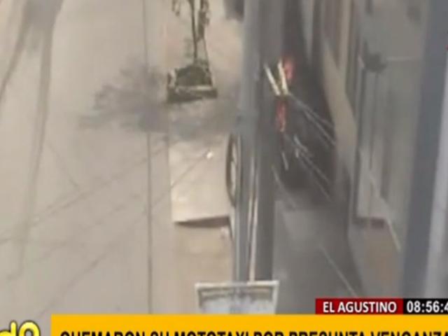El Agustino: prenden fuego a mototaxi en presunta venganza de delincuentes