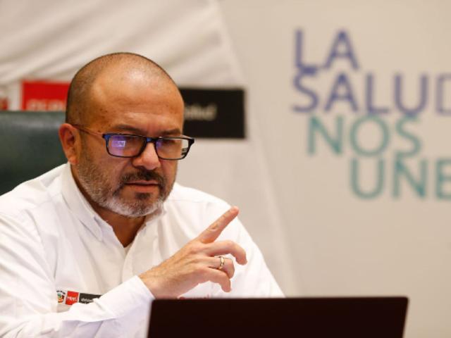 Exministro Zamora reveló que Pfizer no quería responsabilizarse en caso de efectos secundarios