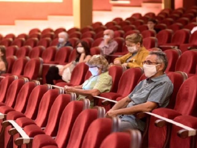 Autorizan ingreso a teatros y conciertos con aforo de 40 % en interiores y 60 % en exteriores