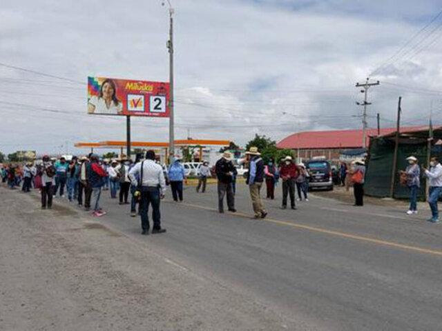 Arequipa: agricultores de La Joya bloquean un tramo de la  Panamericana Sur