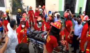 Cercado de Lima: rescatan a hombre de 44 años que quedó atrapado bajo los escombros