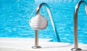 ¡Atención! El uso de piscina y playas continúa prohibido