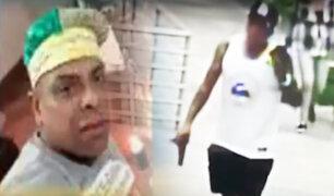 Denuncian que sujeto circula con pistola en la mano dentro de condominio