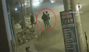 VES: ladrones asaltan pareja y huyen en un taxi