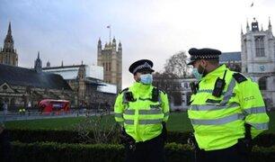 Reino Unido: aplicarán sanciones más estrictas contra personas que no acaten cuarentena