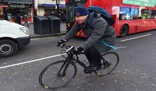 Boris Johnson criticado por salir a manejar bicicleta lejos de su vivienda en cuarentena