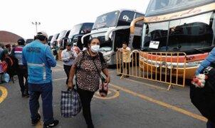 Transporte interprovincial: amplían permiso en regiones de nivel extremo hasta el martes 2