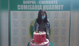 Huarmey: intervienen a joven por celebrar cumpleaños y la hacen posar con su torta