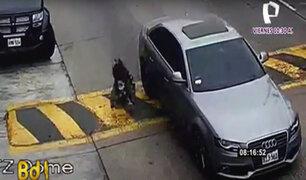 Punta Hermosa: sujeto arrastra en su auto a su pareja hasta hacerla caer