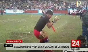 Cientos de personas se aglomeran en Plaza de Toros de Huancavelica por fiesta patronal