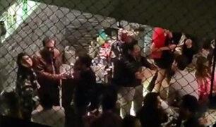 """VIDEO: vecino se niega a suspender fiesta Covid-19 y grita """"puedo hacer lo que quiero en mi casa"""""""