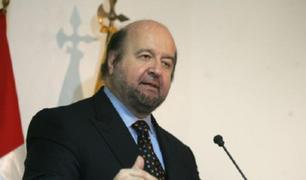 Hernando de Soto quedaría fuera de la carrera electoral de no comprobar su grado académico