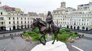 [FOTOS] Así fue restaurada la estatua de José de San Martín en el Centro Histórico