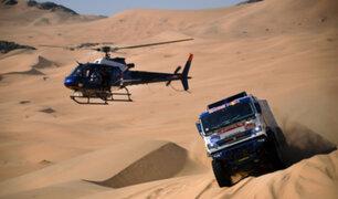Rally Dakar 2021: el insólito choque entre camión y helicóptero en plena etapa final
