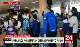 Pasajeros no respetan distanciamiento social en el Aeropuerto Jorge Chávez